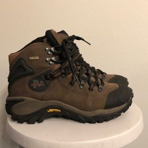 Merrill waterproof boots size 7 women